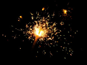 99056__black-background-sparks-sparklers_370
